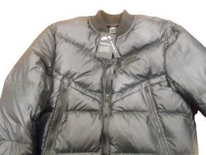 Nike Mens Sportswear Down-Fill Windrunner Bomber Jacket Brand New Size Medium
