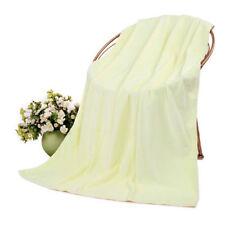 Serviettes, draps et gants de salle de bain jaune sans marque