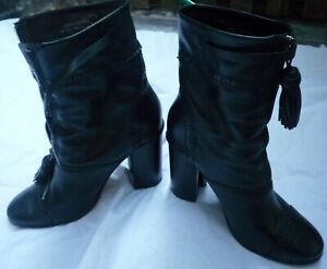 Tory Burch Huxley Black Leather Ankle Boots Size 8.5 Zipper Tassle Brogue $ 580