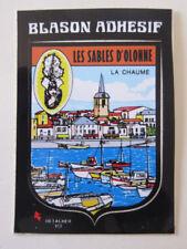 VINTAGE ECUSSON BLASON SOUVENIR AUTOCOLLANT LES SABLES D'OLONNE LA CHAUME 6X8CM