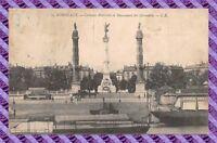 CPA 33 - BORDEAUX - colonnes rostrales et monument des girondins