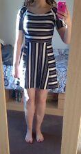 NUOVO senza etichette Forever 21 Black White Stripe Skater Dress 8 10