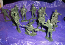 Auburn Rubber plastic Army men 14 different figures