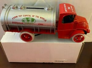 "Ertl 1:25 ""Farm Toy Capital of the World #3 LE"" 1926 Mack Bulldog Bank #9189"