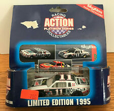 Action Platinum Series Darrell Waltrip #11, 1995 Limited Edition 1:64 -NIP