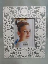 BARGAIN REDUCED TO CLEAR GORGEROUS FLOWER DESIGN WHITE PHOTO FRAME - NEW - GIFT