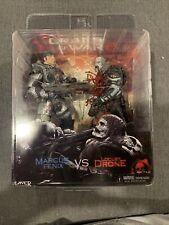 Neca Gears of War 2 Marcus Fenix vs Locust Drone