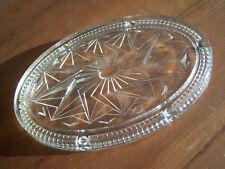 ancien dessous de plat art déco en verre moulé pressé-beau décor stylisé