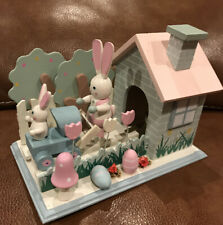 "Cute Easter Wood Moving Bunny Rabbit ""Bleu Danube Waltz"" Music Box Euc"