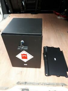 Under Seat Leisure Battery Tray Volkswagen VW T5 T6  combined with a gas locker