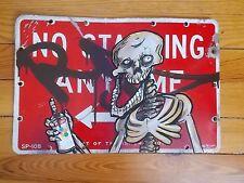 "RD357  "" Skeleton ""  Peinture Originale / Panneau de Signalisation Graffiti Art"