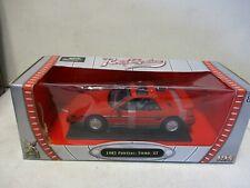 Road Signature 1985 Pontiac Fiero GT 1/18