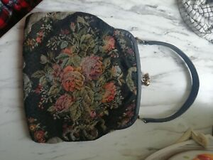 Vintage embroidered  hand bag/ pursewith clasp closing