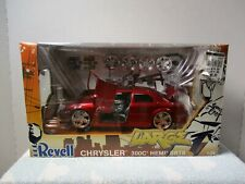 1/24 REVELL ~ CHRYSLER 300C HEMI SRT8 RED