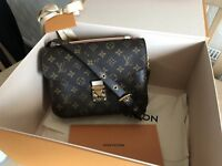 Genuine LOUIS VUITTON POCHETTE METIS Cross-Body BAG (BRAND NEW)