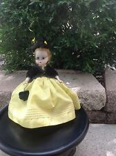 """Vintage Madame Alexander-Kin """"Aunt Agatha"""", 434-1957 HP BKW"""