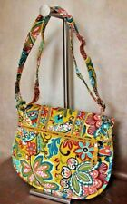 VERA BRADLEY BRIGHTLY COLORED NEW HANDBAG WITH MANY POCKETS AND LOTS OF ROOM