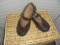 Keen Maroon Leather Mary Jane Flat Comfort Walking Slip On Loafers Shoe 7