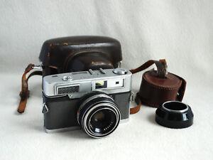 Vintage Minolta Uniomat 35mm Rangefinder Camera With 45mm F2.8 Lens