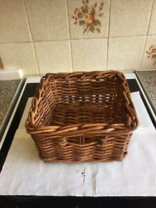 """Vintage Quality Woven Wicker Square Storage Basket / Decor, 10"""" Square, 6"""" Tall."""