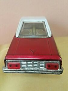 VINTAGE TOY CAR MF 217 SEDAN  FRICTION POWERED 60's MADE IN CHINA COOL SOUND