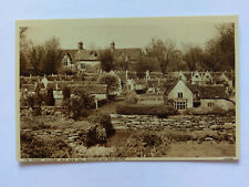 Bourton-on-the-Water Vintage B&W postcard c1937 The Model Village, Old New Inn