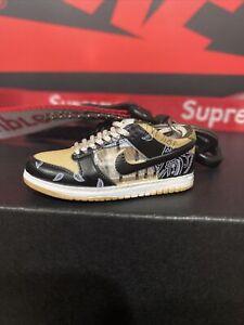 Nike SB Dunk Low Travis Scott Keychain