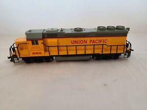 Bachmann HO Gauge Scale Electric Union Pacific 866 Locomotive Engine Train