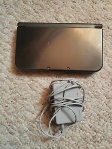 Metallic Black New 3DS XL (3DS, Console & Charger, Outside Wear, & Tested)