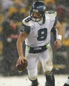 MATT HASSELBECK 8X10 PHOTO SEATTLE SEAHAWKS NFL FOOTBALL PICTURE SNOW