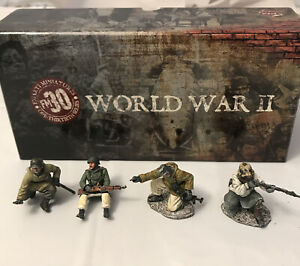 4 Figarti 1/30 painted WWII German Infantry toy soldier figures /Missing Pieces