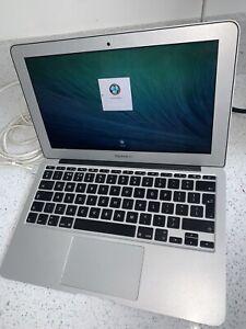 SILVER APPLE SLIM MACBOOK LAPTOP 4GB 1600 GREAT CONDITION