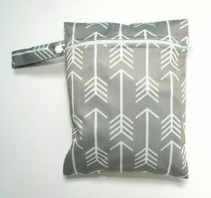 Small Wet Bag for Nappies, Breast Pads, Wipes, Cloth Pads - Grey Arrows *UK*