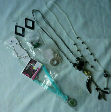 Lot de bijoux fantaisie femme colliers boucles d'oreilles chaine cheville neuf