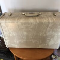 Vintage Samsonite Train Suitcase Luggage Marbled Cream color no key 21x13x8
