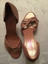 Ladies Shoes Size 5 ( JONES) pink pearl