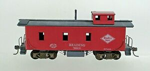 OLD TIME READING RR WOODEN CABOOSE- HO SCALE