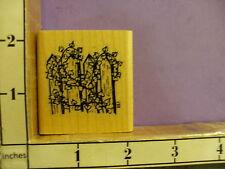D.R.S. Designs picket fence ivy RUBBER STAMP 33J