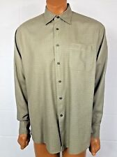 North 44 Degrees Men's Green Button Up Shirt Size Large Long Sleeve Pocket Front