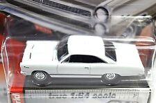 MERCURY COMET CYCLONE 1966 WHITE AUTOWORLD AW64012 1:64 NEW DIECAST MODEL
