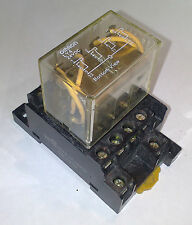 RELAY OMRON LY4 24VDC 10A PLUG IN 4 POLE SOCKET PTF14A RELE ENCHUFABLE