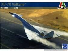 """NORTH AMERICAN  XB-70 """"VALKYRIE"""" ITALERI 1/72 PLASTIC KIT"""