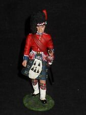 BRITAINS 10022 BLACK WATCH REG.SGT.MAJOR EARLY 20TH CENTURY.
