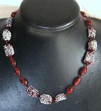 collier ancien ras de cou en pâte de verre rouge et blanc