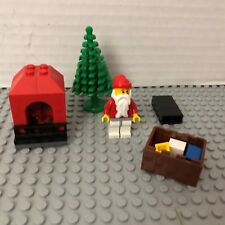 LEGO 7904-25 Advent Calendar 2006 City (Day 24) Santa, Tree, Gifts, Fireplace
