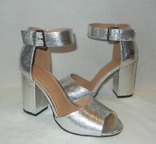 UO Urban Outfitters Women's Mary Metallic Faux Leather Heels Retail $69 size 9