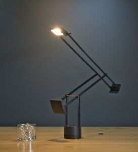 Classic Italian Artemide Tizio desk / table lamp