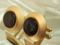 Vintage 1970's Black Onyx Lucite Textured Gold Tone Classic Cuff Links 885d9