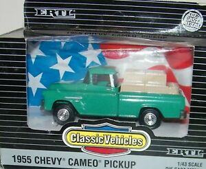 1955 Chevy Cameo Pickup Truck Vintage 1994 Ertl 1/43 Diecast Classic Vehicles