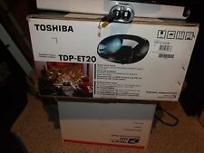 TOSHIBA TDP-ET20U DVD Projector With Remote Control BUNDLE